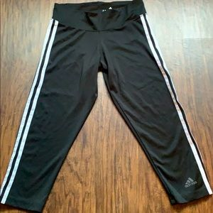 NWOT ADIDAS cropped workout tight